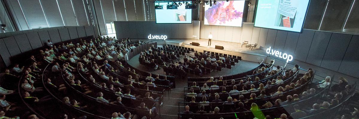 dvelop-forum-18-plenum