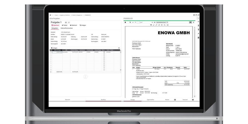 Laptop Bildschirm der Rechnungsverarbeitung mit APplus zeigt.