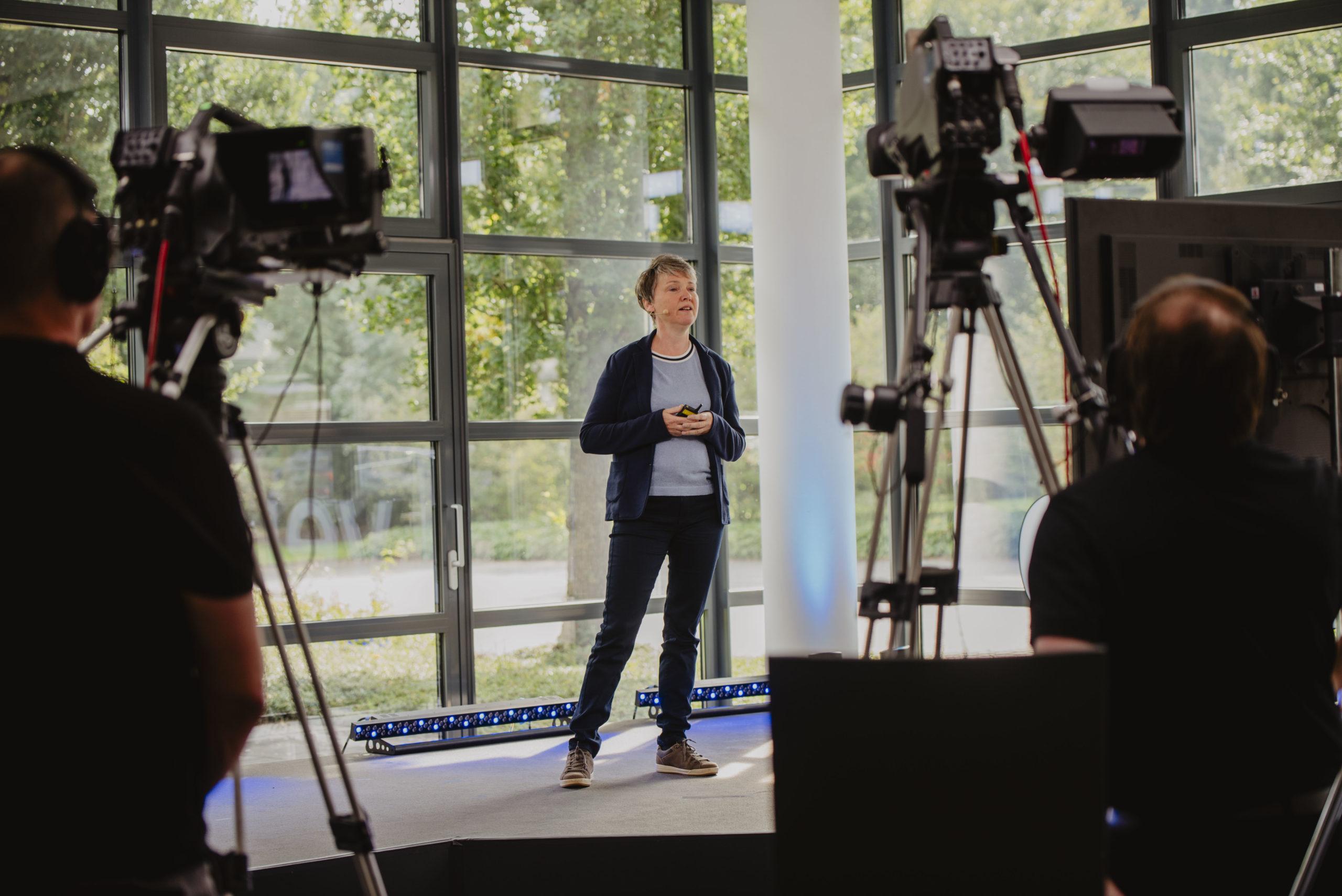 Dr. Karen Verbist erzählte anschaulich über die Digitalisierung bei der Universitätsstadt Marburg