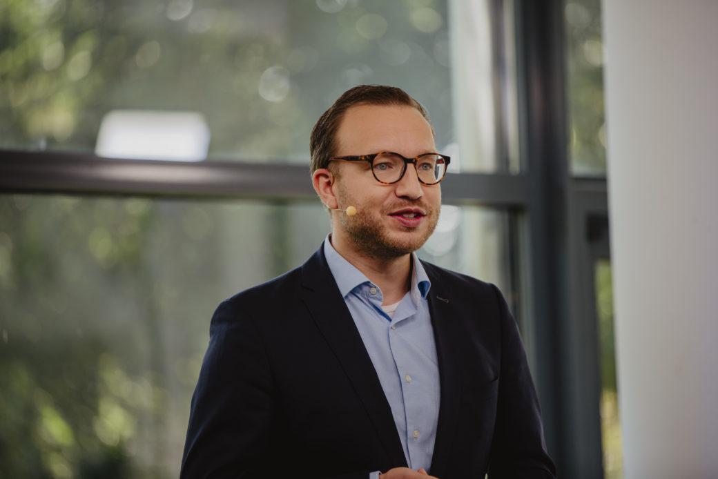Torsten Schmalbrock von apetito erklärt die digitale Zustellung von Gehaltsabrechnungen und weiteren HR-Dokumenten